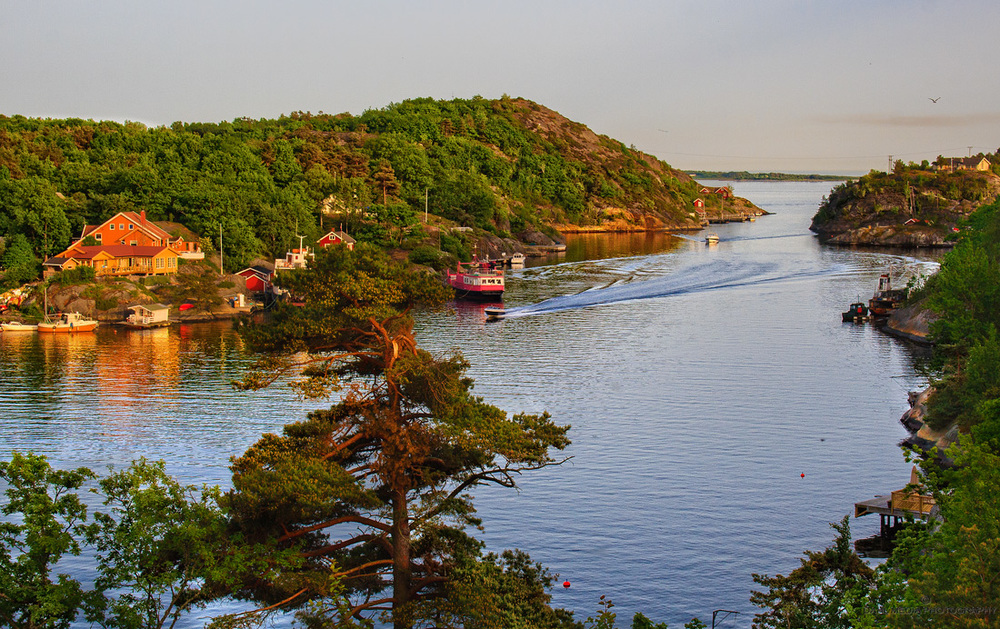 Varm sommerkveld i Stokkøysundet