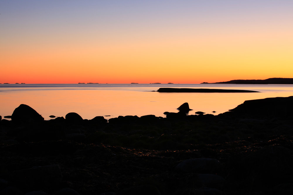 Fantastiske naturopplevelser venter den som tar Vestfoldskjærgården i bruk. Moutmarka på Tjøme. Østerøya i Sandefjord, bakerst til høyre i bildet.