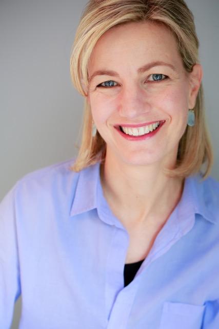 Dr Julia Cooks Headshot.jpeg