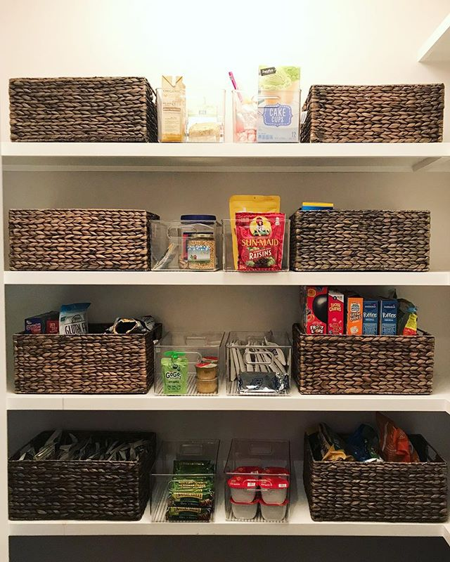 From messy to methodical. ✔️ {SWIPE TO SEE} Essentials belong at eye level, lesser-used items can go up top, and kid-friendly snacks live on the bottom shelf for easy access. What do you think of this transformation?