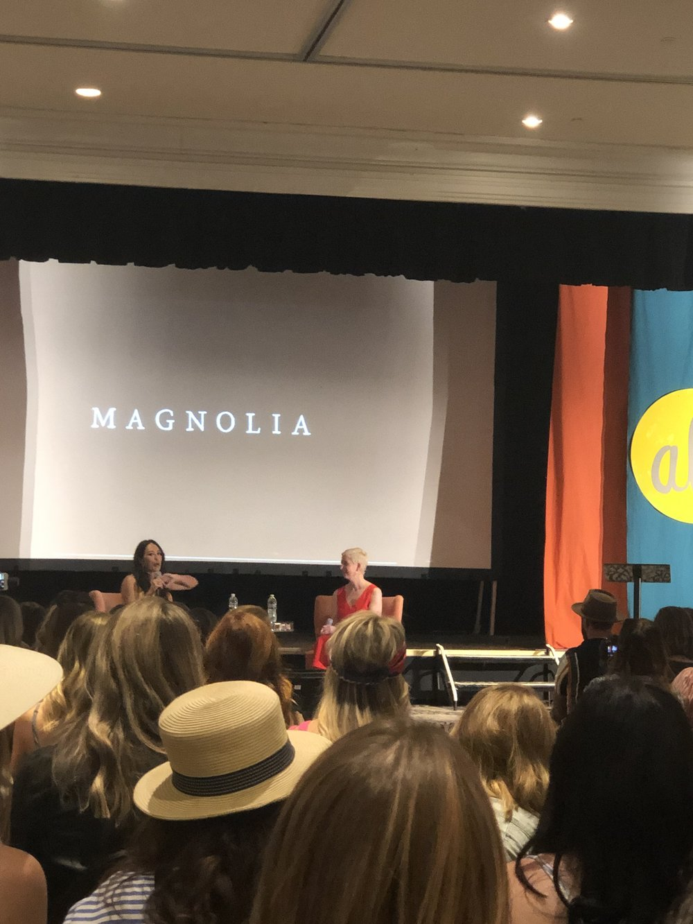 It was so inspiring to hear Joanna Gaines (@joannagaines) chat with the founder of Alt Summit, Gabrielle Blair (@designmom).
