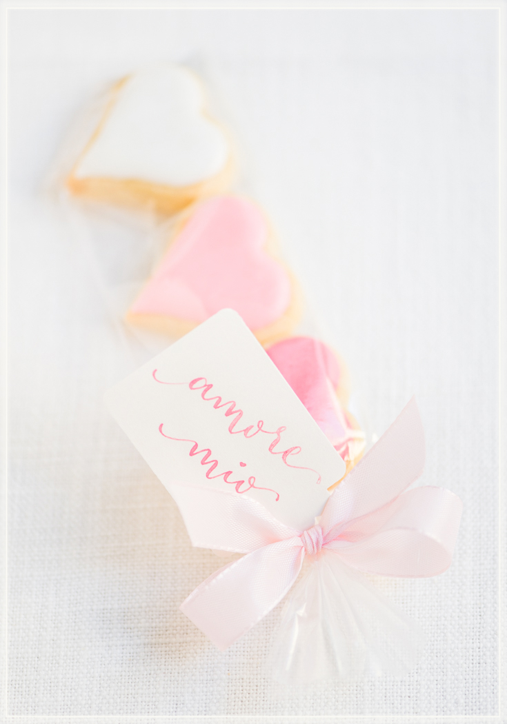 Calligraphy Amore-Love-Valentine-Geschenk-Tags-Photo-by-Clara-Tuma.jpg