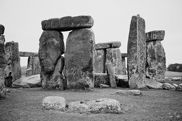 Stonehenge+B04.jpg