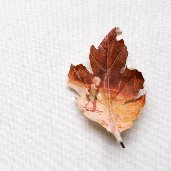 Custom oak leaf brooch by Puur Anders