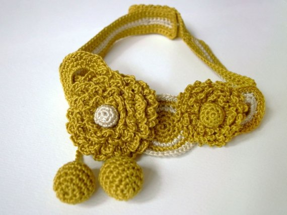 Dandelion necklace by Miho