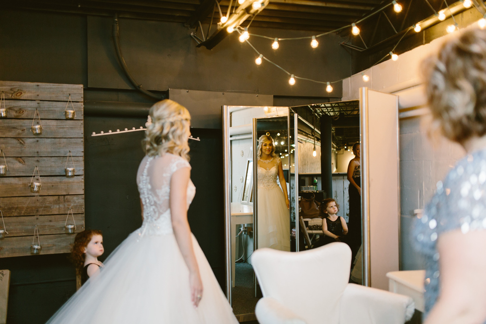 vue_columbus_ohio_wedding_photography-11.jpg