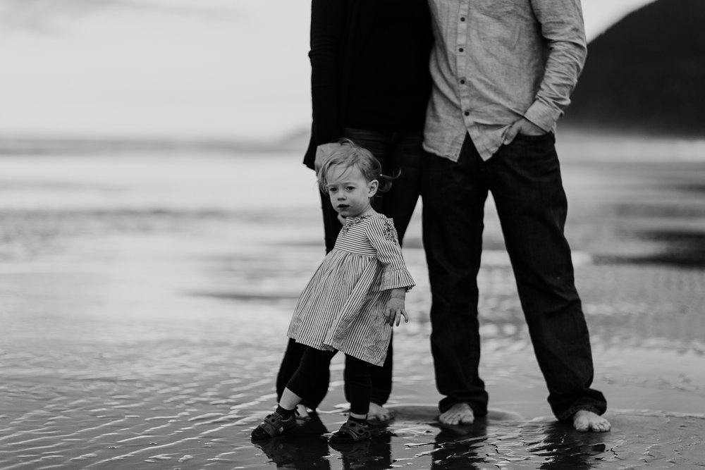 Nehalem Bay State Park family session Oregon photographer (56).jpg