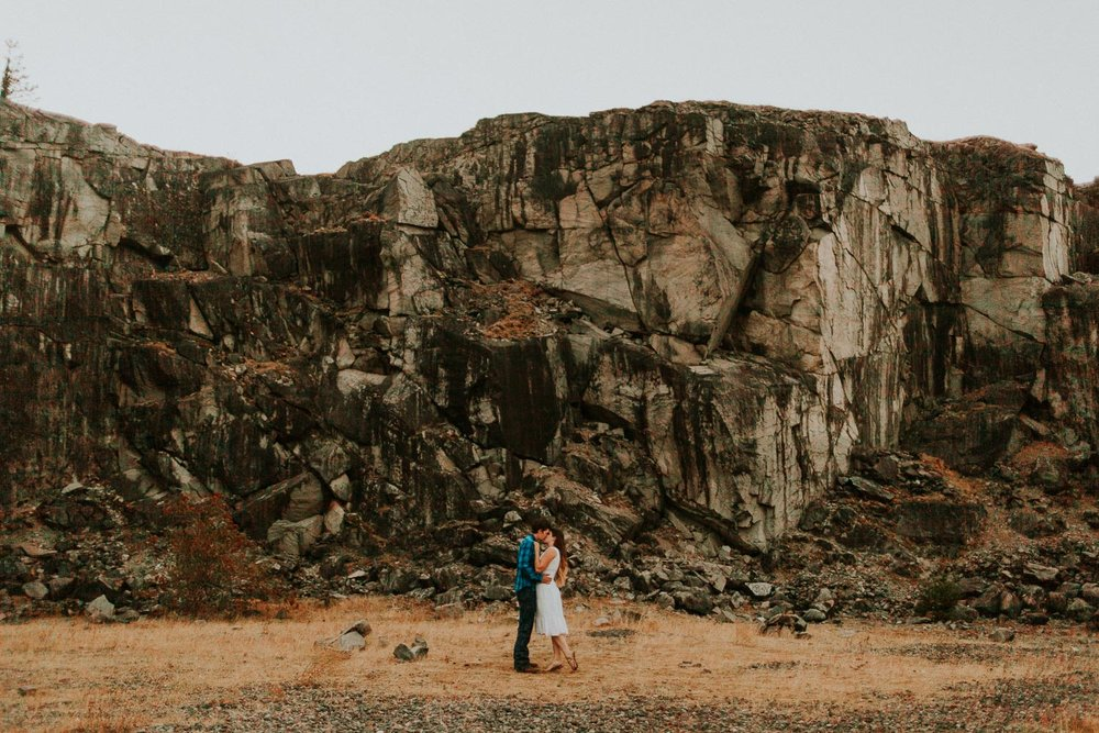 government cove columbia river gorge engagement session  (84).jpg