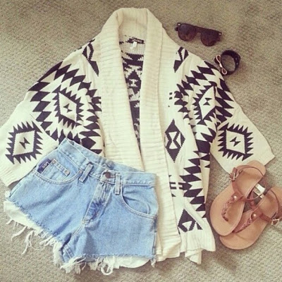 yo6t0a-l-610x610-sweater-aztek-vintage-shorts-sunglasses-bracelets-flip-flops.jpg