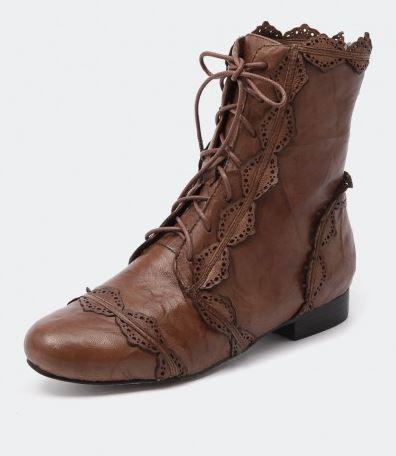 Django and Juliette Aspella tan boot.JPG