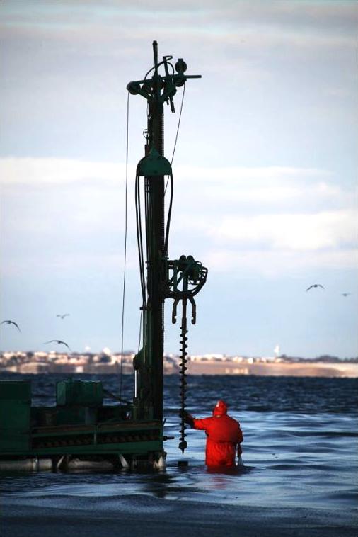 Jordbundsundersøgelser ved Handbjerg marina 5. december 2012. Foto:Yesterdaysfoto.dk