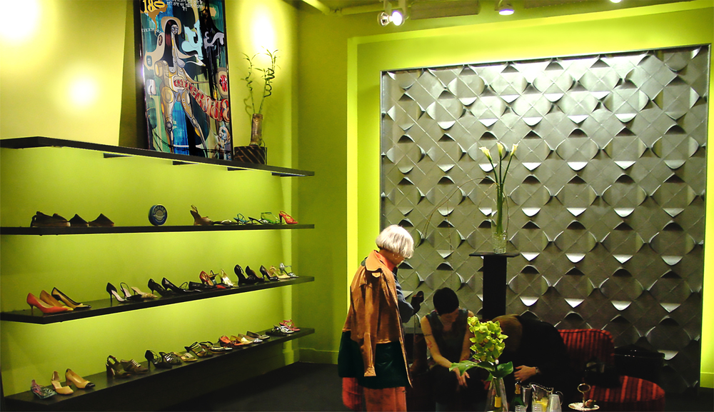 RETAIL DESIGN:  JOAN SHEPP SHOE LOUNGE WALNUT STREET