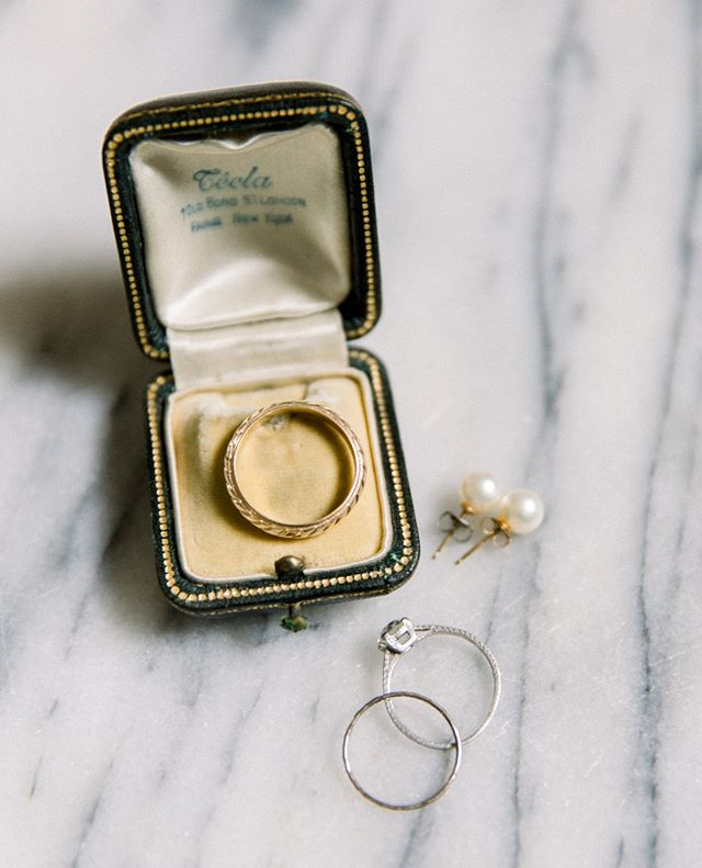 Pretty rings and vintage ring boxes make my heart sing.  Natural light is such a friend during the getting ready stage of the day! || @gigiwis @incandescenttarot #weddingstyling #vintageringbox #flatlayinspiration #pursuewhatislovely #durhamwedding