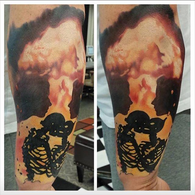 Last kiss #lostartgallerytattoo #tattoo #tattoos #ct #ctink #cttattoo #waterbury #watertown #oakville #cttattoos #cttattooshop #ctink #waterburytattoo #skinartmag #skinartmagazine #inkedmag #inkedmagazine #tattooartistmagazine #superbtattoo #crazzytattoos #tattoosnob #bnginksociety #thebesttattooartists #art #realistictattoo #blackandgrey #ernestonave #ernestonavetattoose #electrumstencilprimer