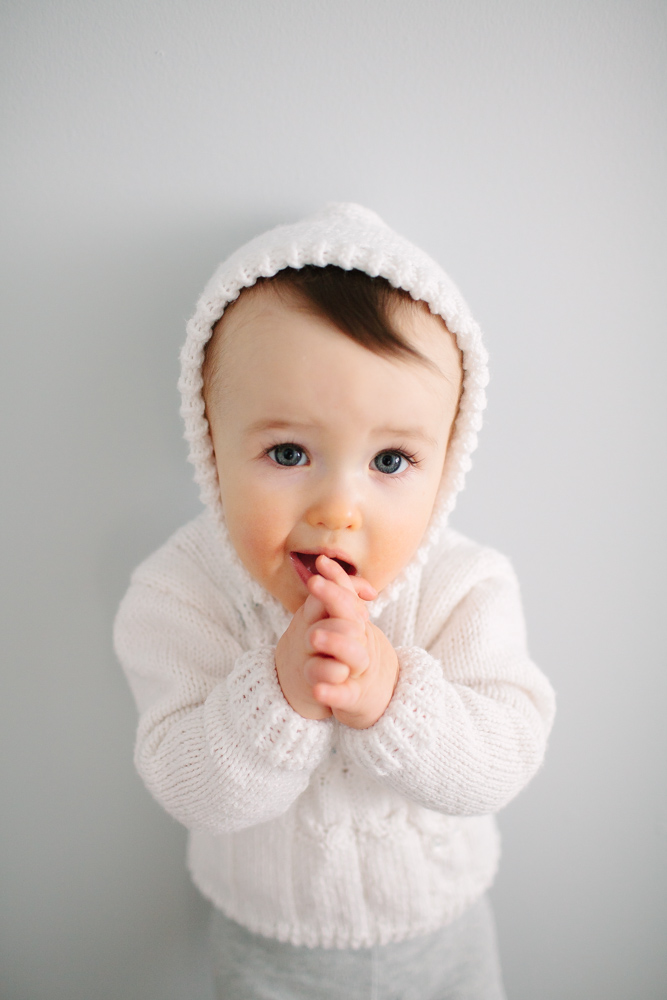 finley_baby_photos_white_sweater_9210.jpg