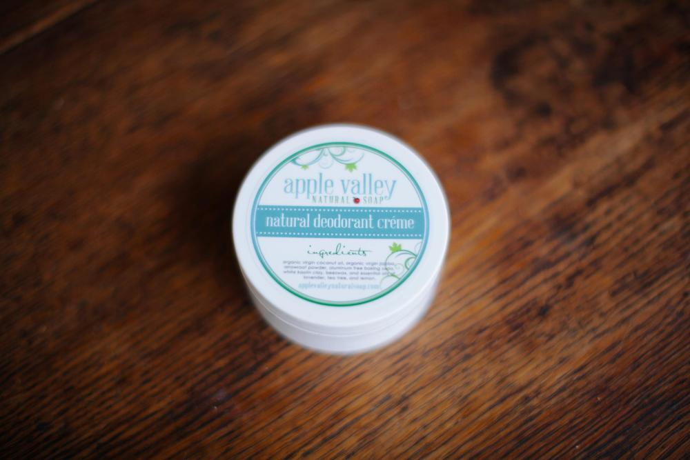 Apple Valley Natural Soap Deodorant Creme Review: Works Well For Wedding Photographers