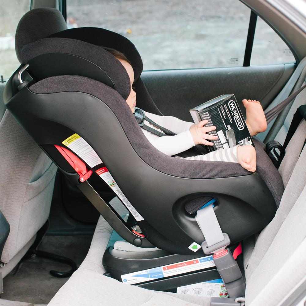Non-Toxic Tuesday | How To (Properly) Buckle A Baby Into A Car Seat ...