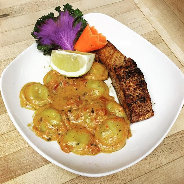 Chef Special ...........................................$13.50 ——————————————————————— 4oz GrIlled Salmon with Asiago Stuffed Ravioli ——————————————————————— Great for Valentine's Dinner😍