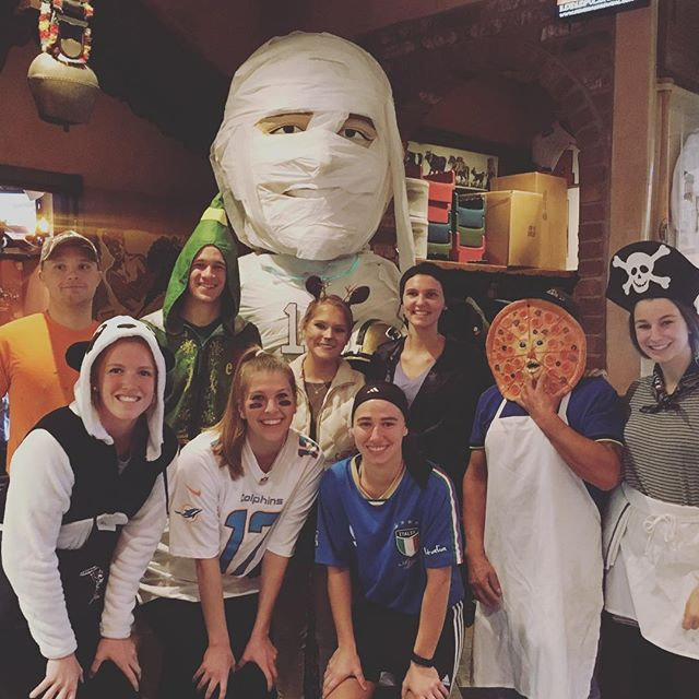 Here at Brunos, we Creep it real on Halloween 🎃 someone in the back is wrapped up in how good our pizza is as a Halloween treat!! 👻
