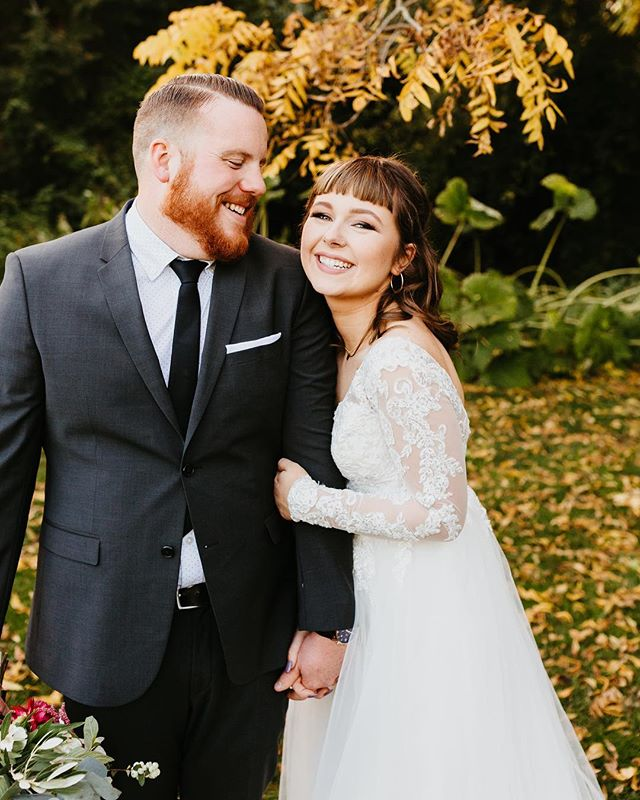 """HANNAH + TYLOR ❤️ yesterday's Bellingham wedding was my first wedding that felt like """"fall"""" all year and it was cozy pnw perfection. I really adore these two and am so happy they're married (and will be secretly stalking them all over socal when they're on their honeymoon #kidding #notkidding) #sandiegoweddingphotographer #weddinggoals #fallwedding #pnwphotographer #pnwbride #theknot #weddingdress"""