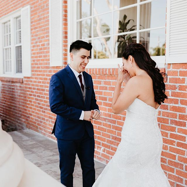 Jennifer + Misael's sweet first look at the Layfette Hotel before heading to their ceremony on Saturday 😭😭😭😭 #sandiegoweddingphotographer #californiaweddingphotographer #firstlook #weddinggoals #sandiegobride