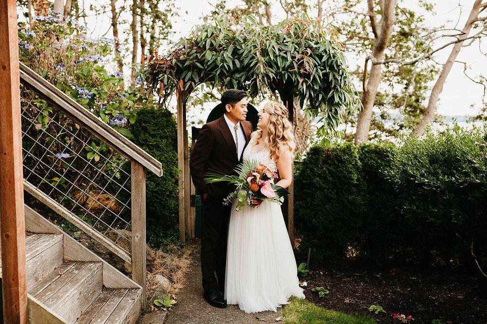 Tropical-Vintage-Within-Sodo-Wedding-44.jpg