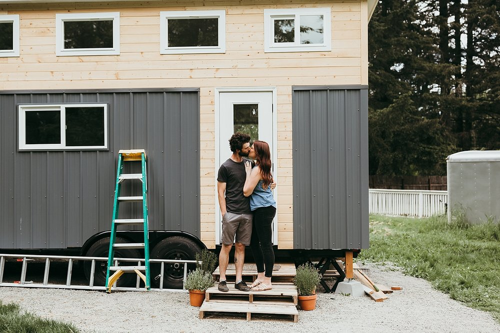 Tiny-Home-Engagement-Session_0015.jpg
