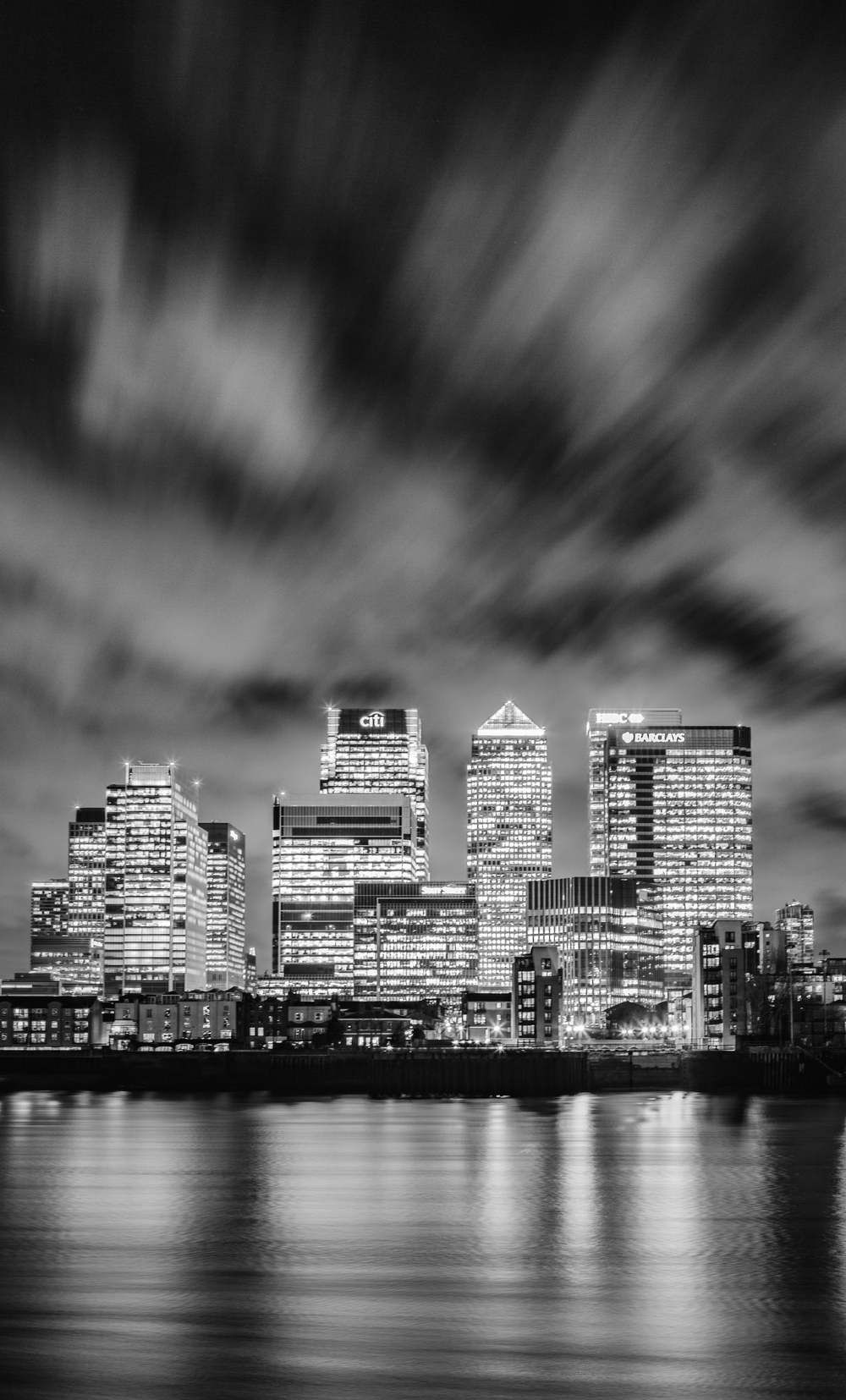 Canary Wharf Black and White - Stuart Bennett.jpg