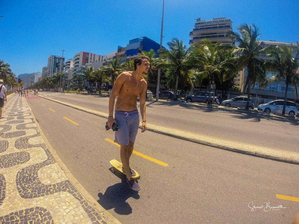 20151007-Rio Street Surfing - Ipenema.JPG