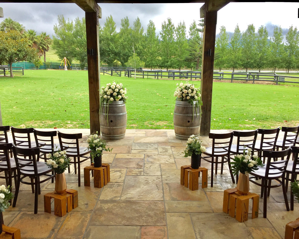 Wet Weather Contingency. - Rain...not a problem. Our covered courtyard area turns into a beautiful ceremony location with the lawns and NZ countryside as your backdrop. Other options include inside in front of the grand fireplace or at St.Andrews Church.