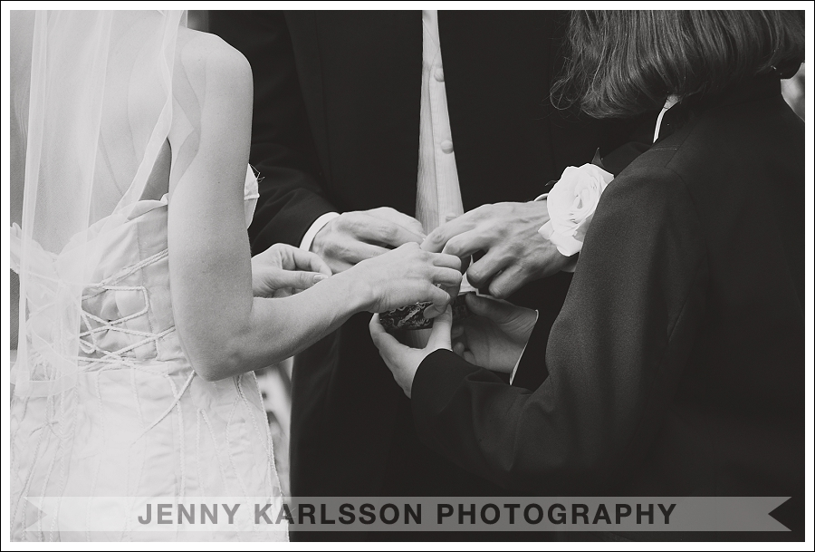 Ring exchange at Phipps Conservatory and Botanical Garden wedding