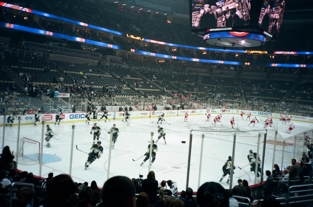 Hockey-Night-In-Pittsburgh-Film-Photography-Karlsson-012.jpg