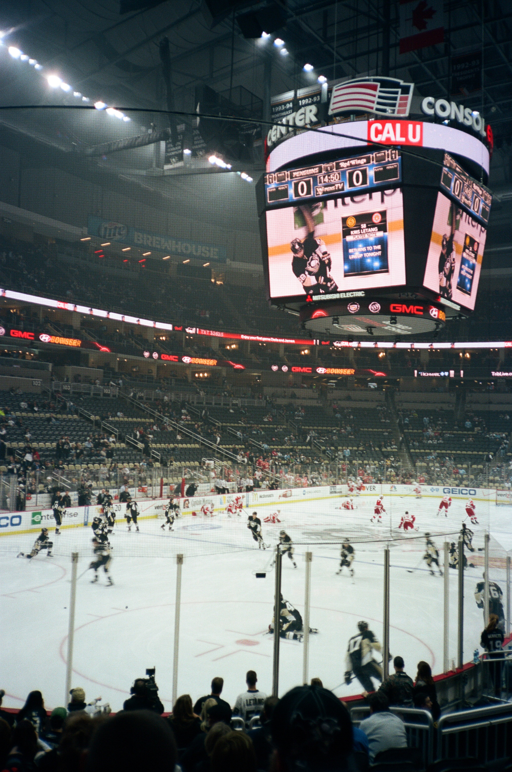 Hockey-Night-In-Pittsburgh-Film-Photography-Karlsson-013.jpg