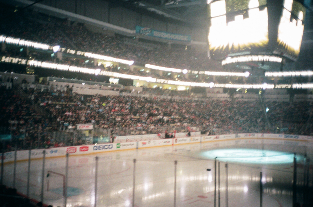 Hockey-Night-In-Pittsburgh-Film-Photography-Karlsson-022.jpg