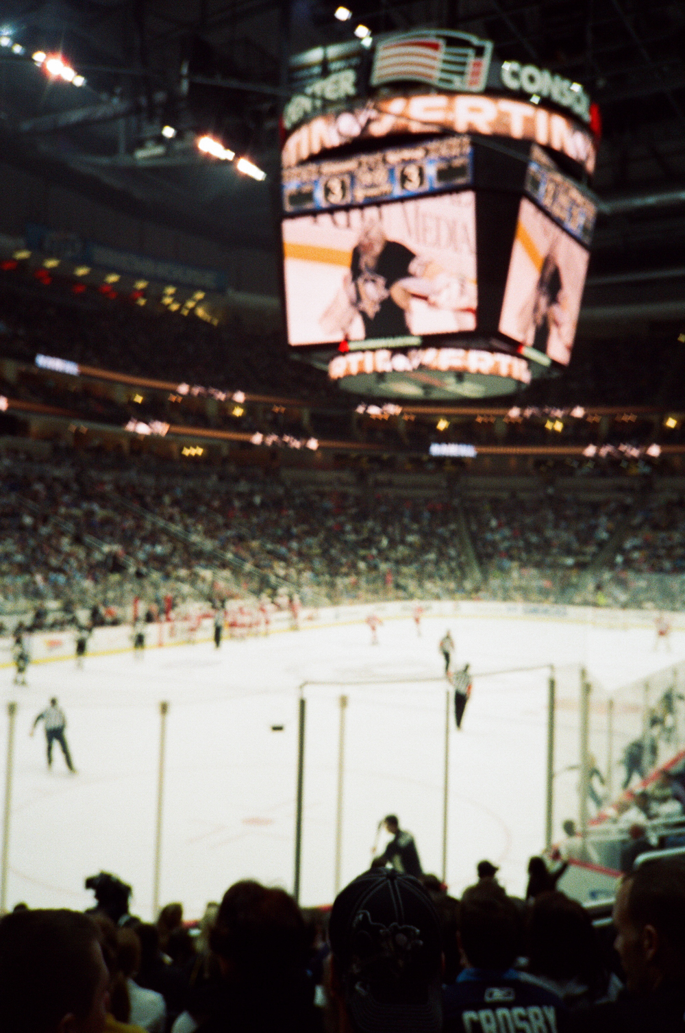 Hockey-Night-In-Pittsburgh-Film-Photography-Karlsson-057.jpg