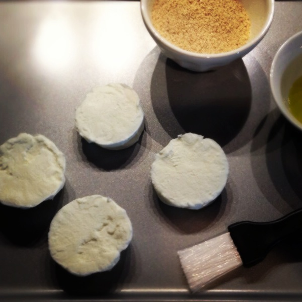 Fresh goat cheese, breadcrumbs and olive oil = baked goat cheese!