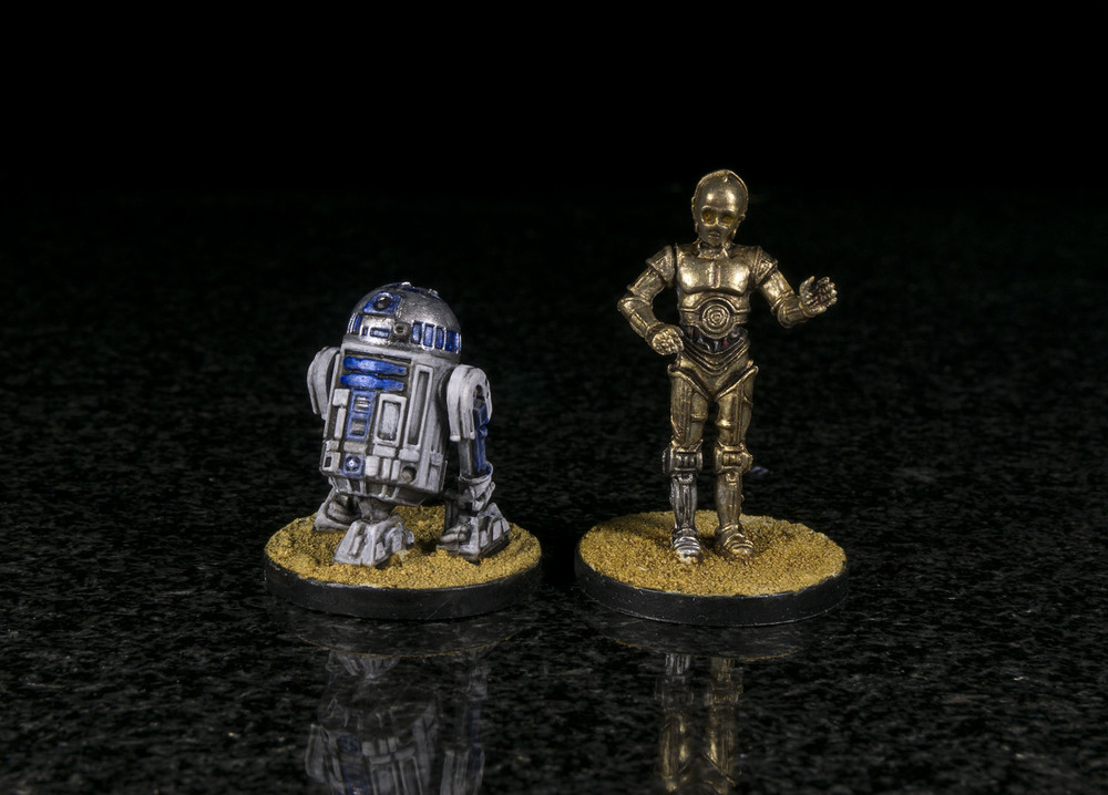 Artoo's silver is Warcolour's Pewter highlighted with their Silver. Threepio is Warcolour's Gold and Pale Gold (shaded with Citadel Agrax Eathshade and Seraphim Sepia)