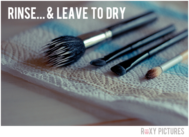Howtocleanmakeupbrushes-RoxyPictures3.jpg