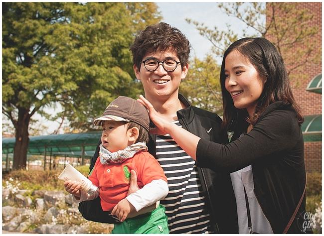 CityGirlSearchingMiddleSchoolSouthKorea_0015.jpg