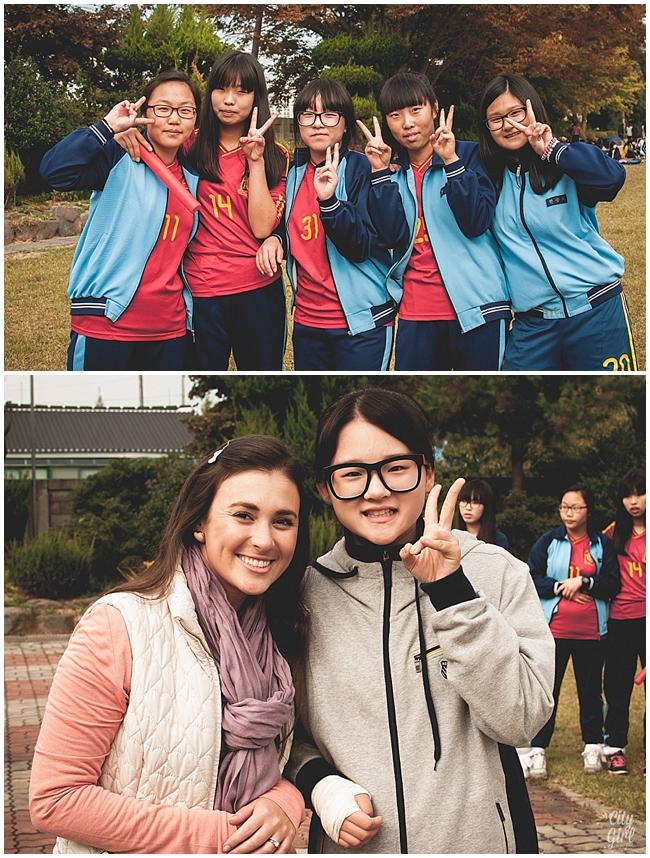 CityGirlSearchingMiddleSchoolSouthKorea_0018.jpg