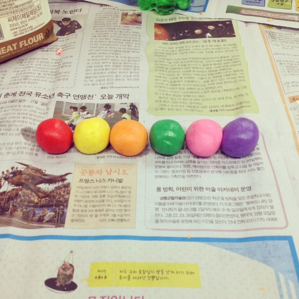 MakingPlayDoughinKorea.jpg