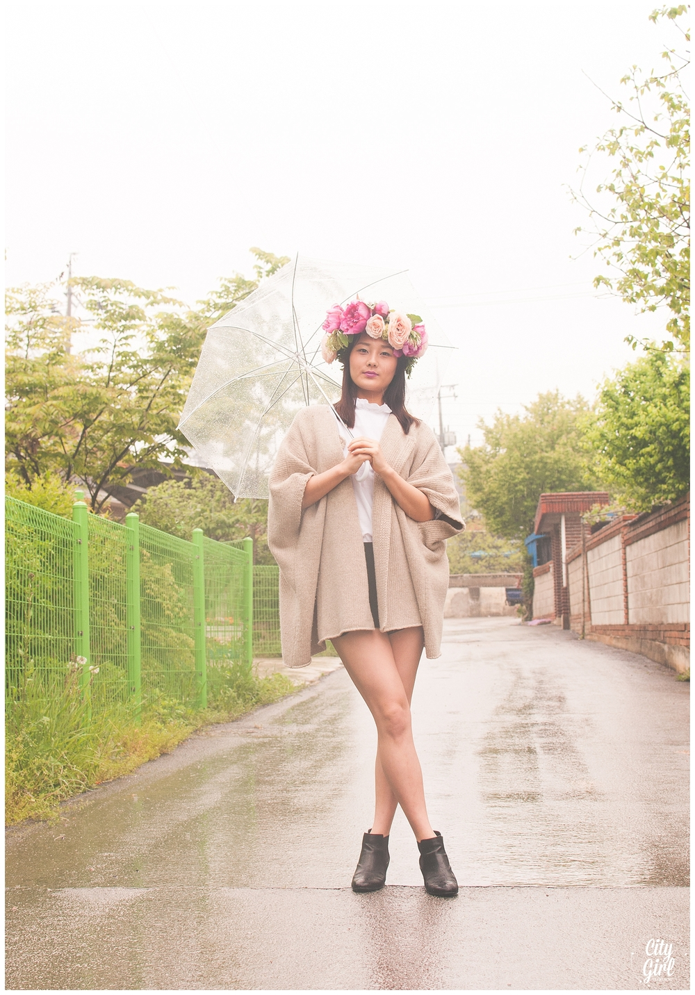 CityGirlSearchingKoreanFlowerCrownStyledShoot_0008.jpg