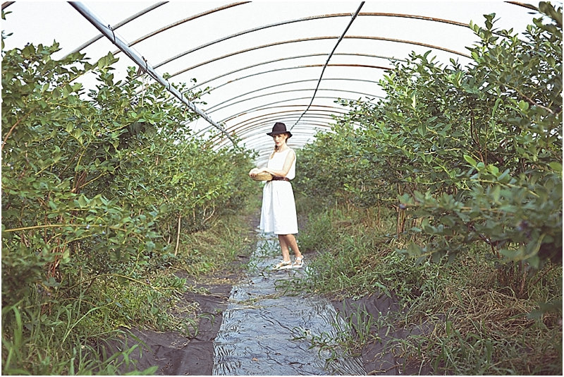 BlueberryPickingStyledShootCityGirlSearchingSouthKorea_0033.jpg