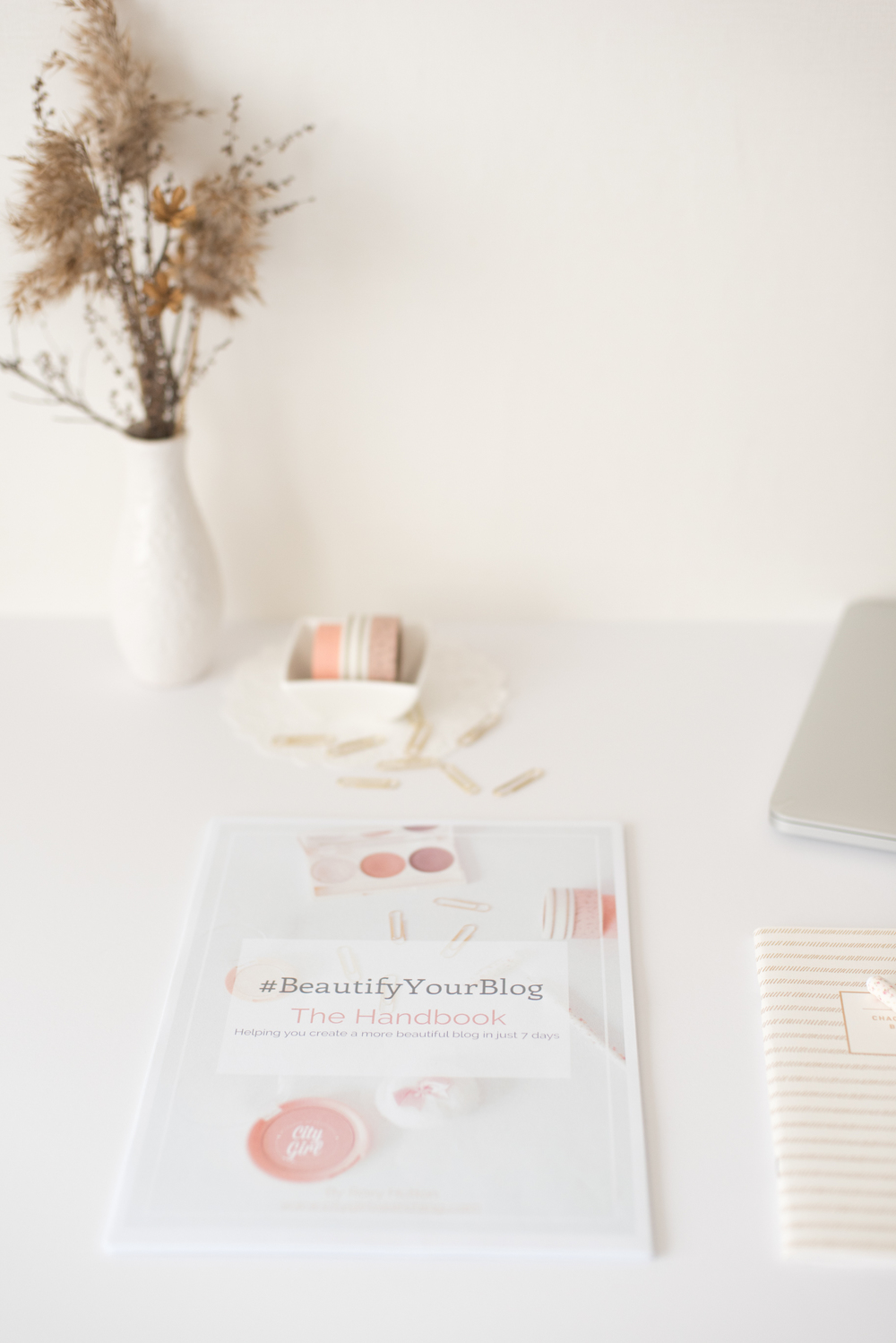 #BeautifyYourBlog Handguide for Bloggers byr Roxy Hutton of CityGirlSearching (2 of 25).JPG