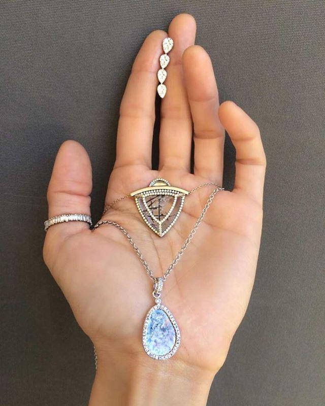 Queen of summer✨ @moniquepean @ashleymorgandesigns @suzannekalan @saraweinstockjewelry