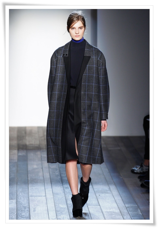 victoria-beckham-plaid-coat-fall-2013.JPG