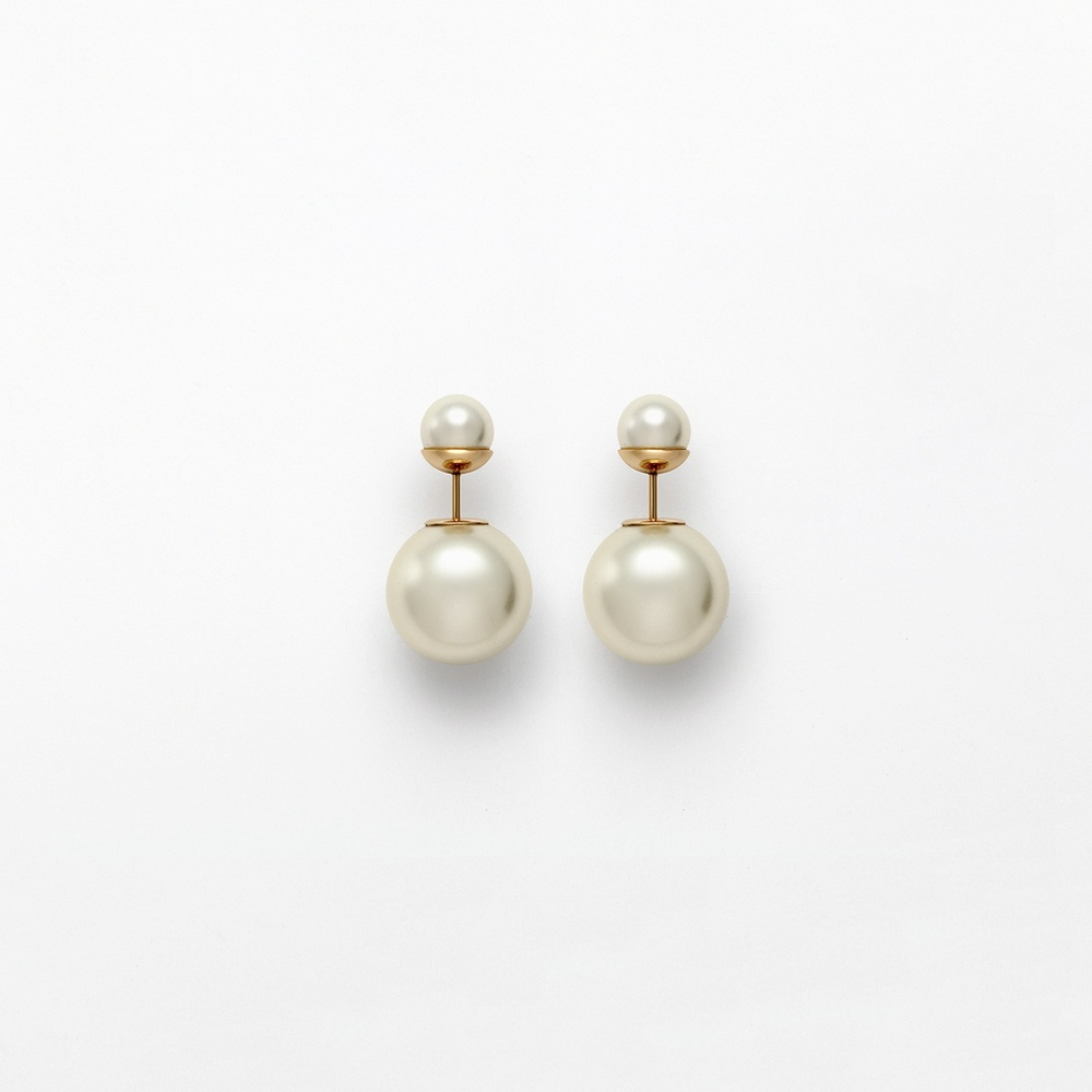 mise-en-dior-earrings.jpg