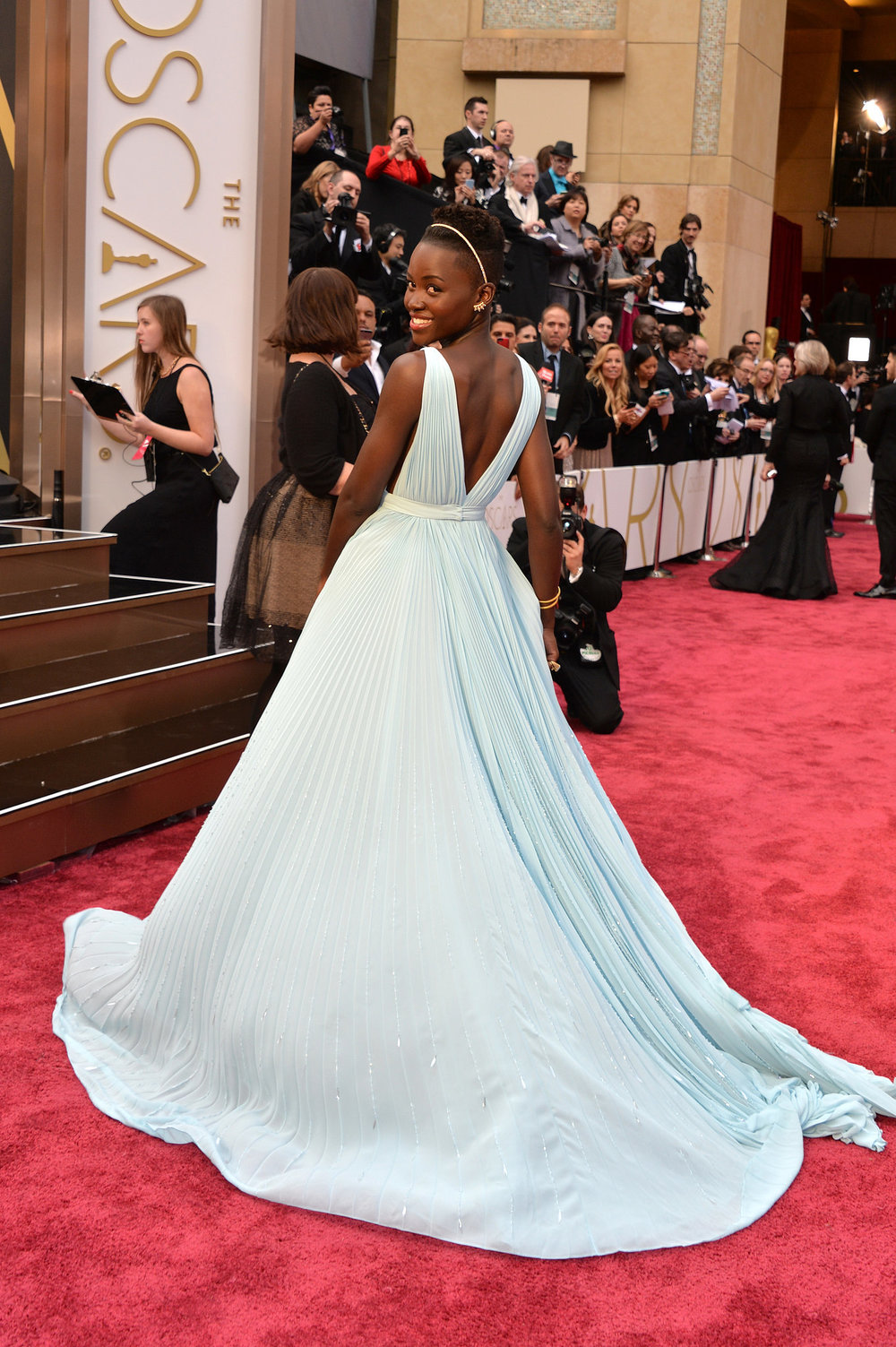 Lupita-Nyongo-Prada-Dress-Oscars-2014-01.jpg