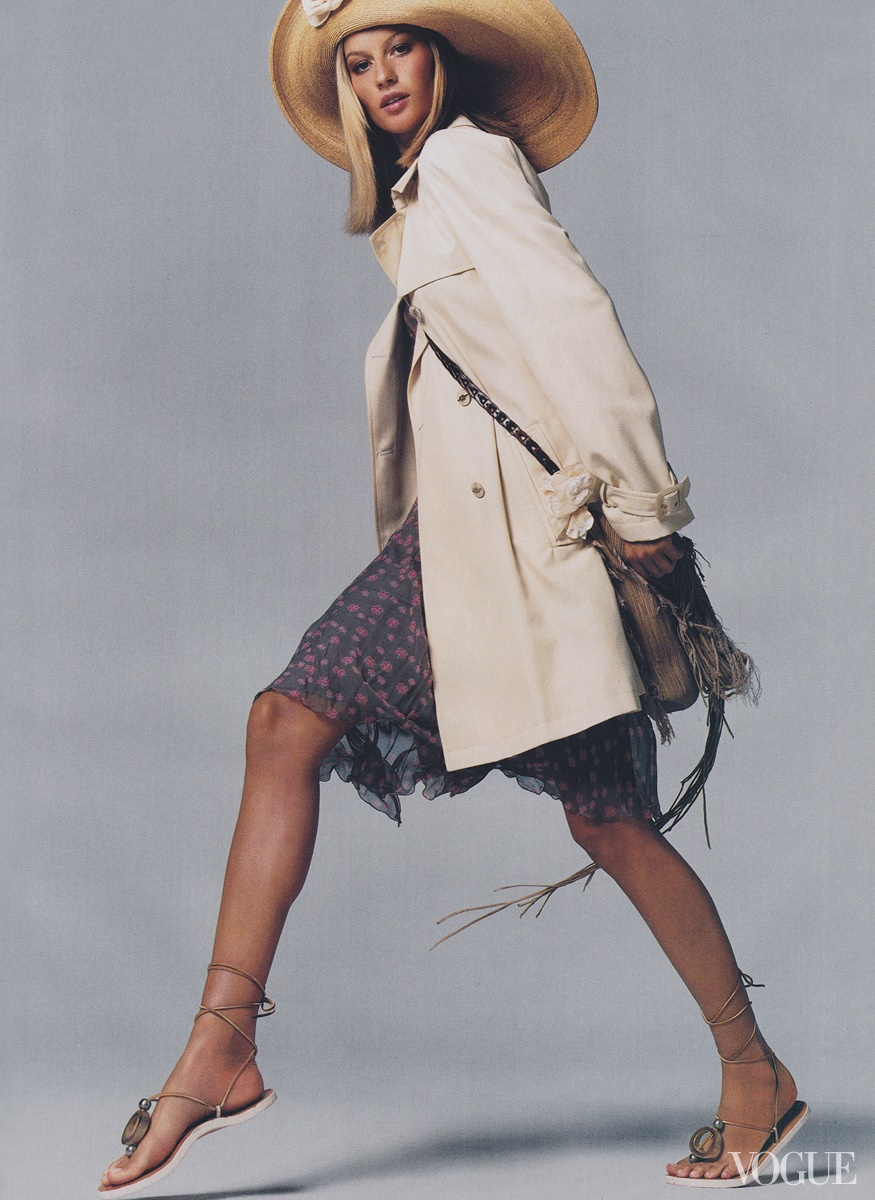 Gisele Bündchen - Vogue, December 2001