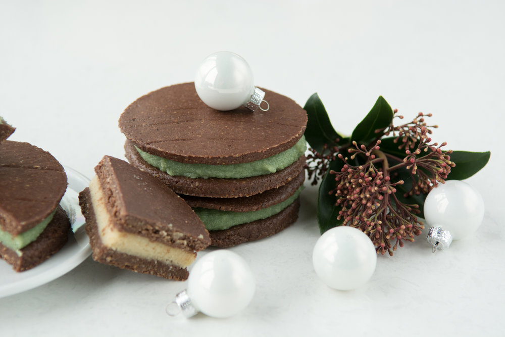 Festive Treats - Including Raw Oreos, Raw Brownies, Apple Spice Breakfast Cookies, + Raw Gingersnap Balls, and holiday donut flavours.